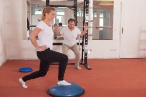 Eva Fallenecker und Florian Greimel im Trainingsbereich